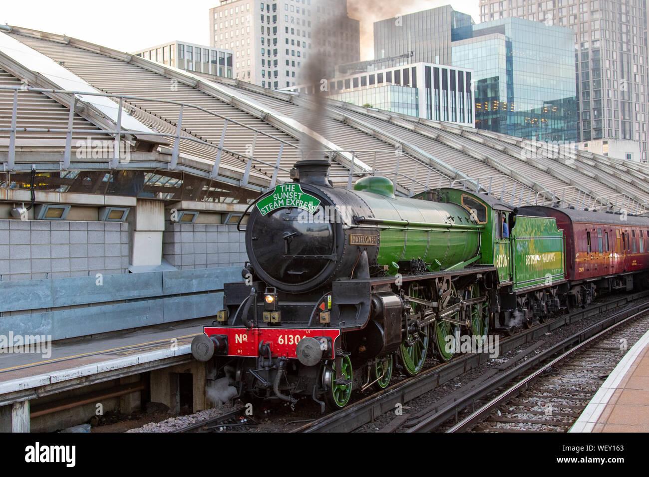 LNER Class B1, 61306 Mayflower, at Waterloo Station Stock Photo