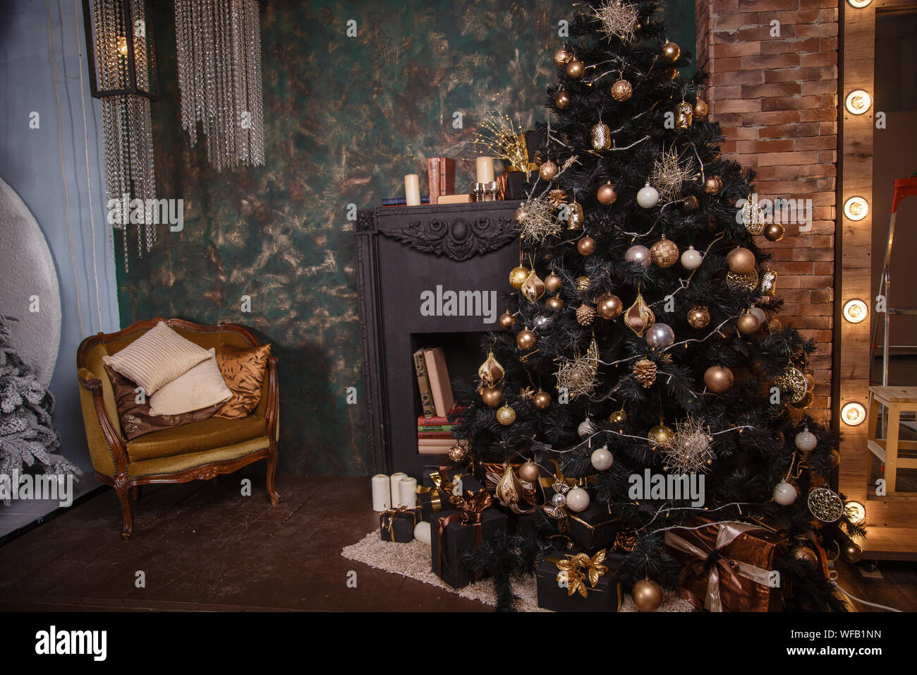 Decorated Christmas Room With Beautiful Fir Tree Black And Gold Stock Photo Alamy