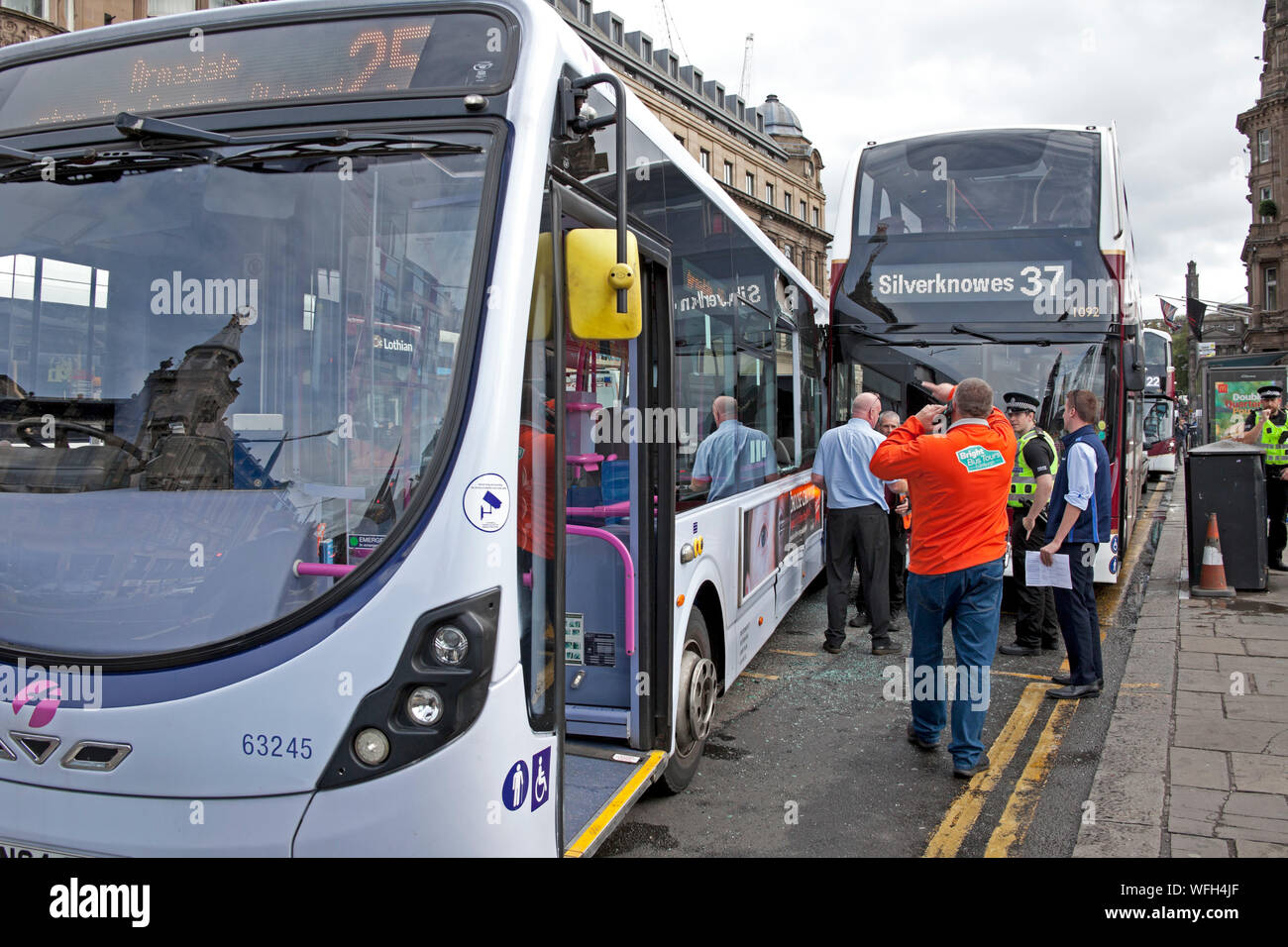 Waverley Mall, Princes Street, Edinburgh, Scotland, UK. 31st August 2019. Between 10.30am and 1045am there was a collision at Waverley Mall on Princes Street between a single deck First Bus and a double deck Lothian Bus pictured, shows one of the nearside windows of the First Bus completely missing. Yesterday (Friday) in Princes Street another bus crashed into a bus shelter, Stock Photo
