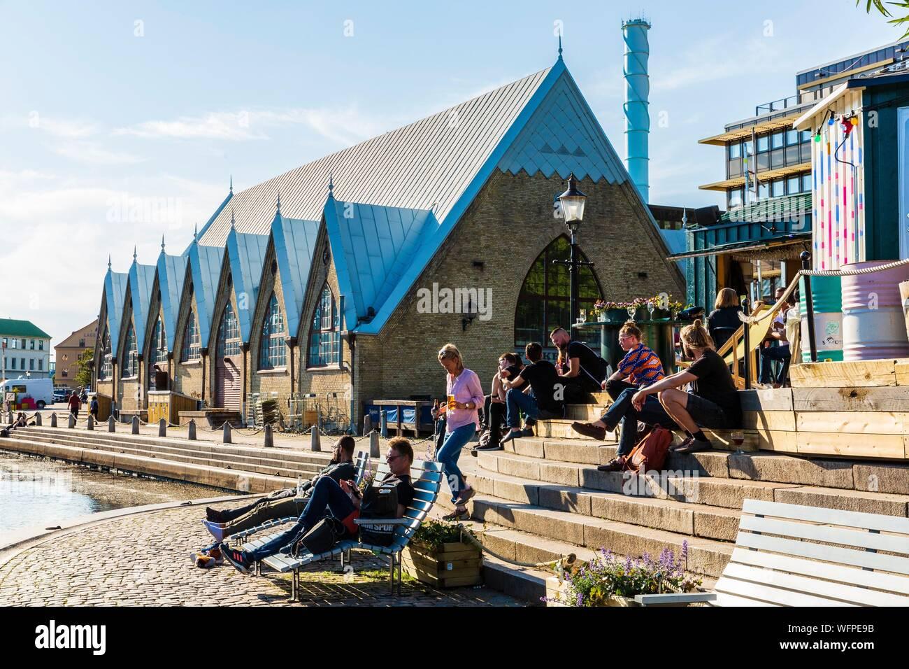 Sweden Vastra Gotaland Goteborg Gothenburg Coffee Near The Fish Church Feskekorka Stock Photo Alamy
