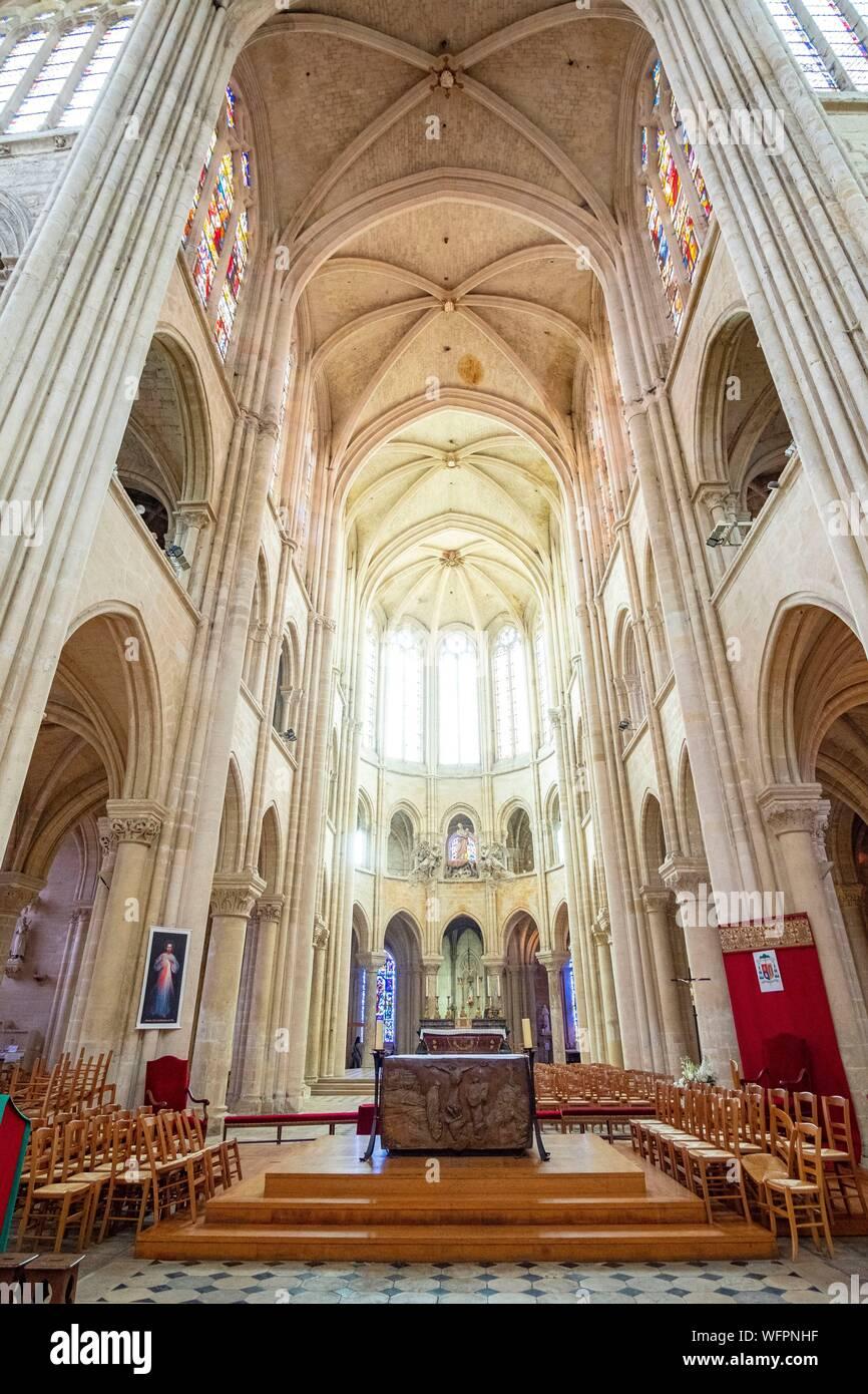 France, Oise, Senlis, Notre Dame cathedral of Senlis, roman catholic gothic architecture Stock Photo