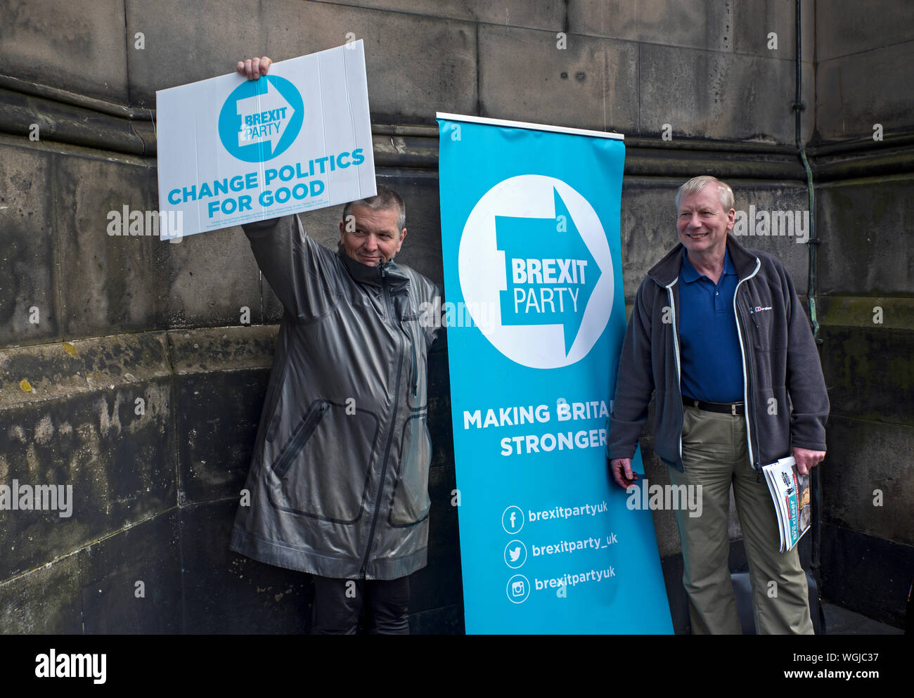 Edinburgh, Scotland, 31st August 2019. A counter demonstration by 2 Brexit Party Members against the European Movement in Scotland. Stock Photo