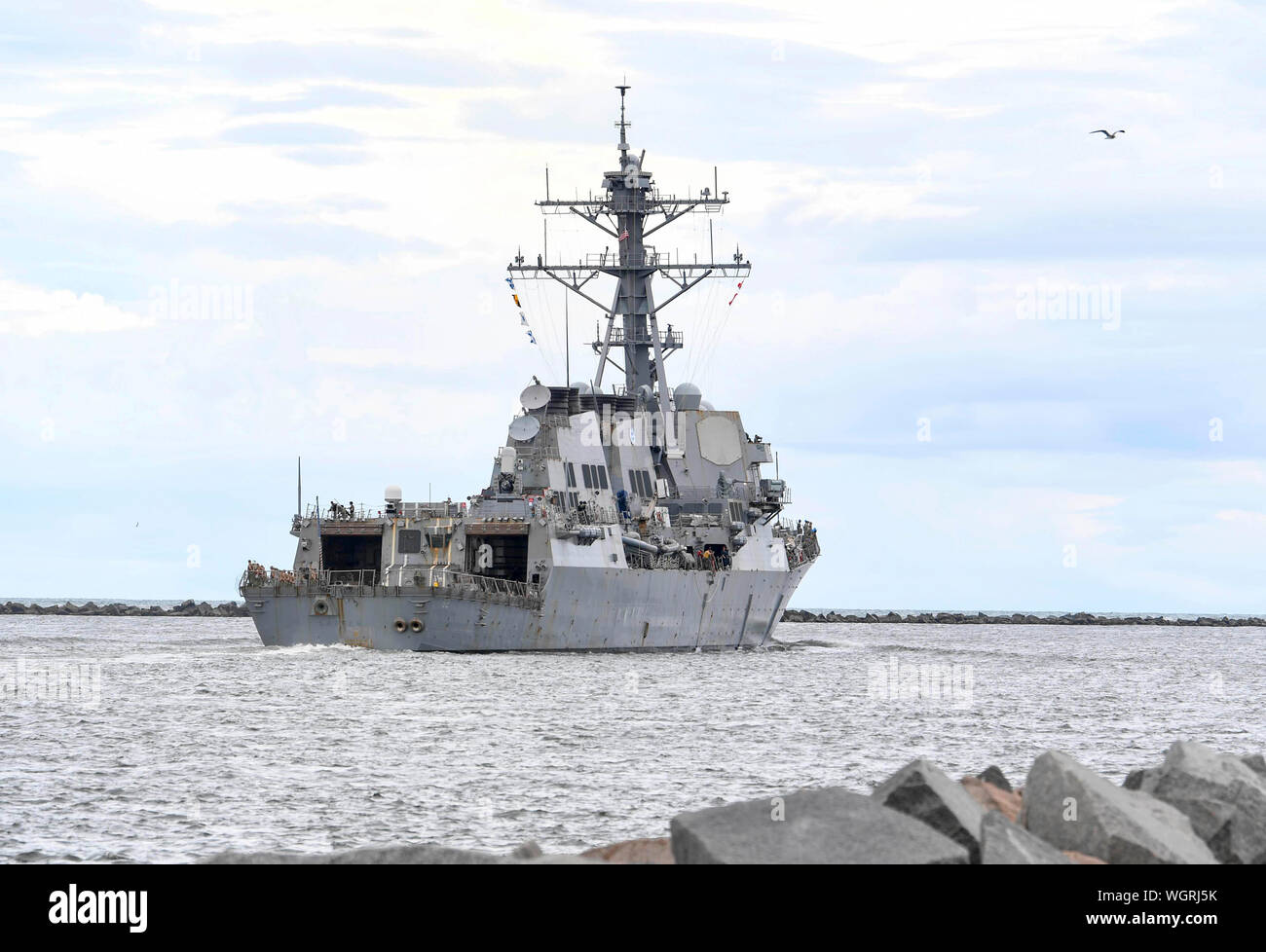 190830-N-DA434-139  JACKSONVILLE, Fla. (Aug. 30, 2019) The Arleigh Burke-class guided-missile destroyer USS Lassen (DDG 82) gets underway from Naval Station Mayport as Commander, U.S. 4th Fleet orders all U.S. Navy ships homeported in the area to sortie ahead of Hurricane Dorian, which is forecasted to bring high winds and heavy rain to the East Coast. Ships are being directed to areas in the Atlantic where they are best postured for storm avoidance.   (U.S. Navy photo by Mass Communication Specialist 3rd Class Alana Langdon/Released) Stock Photo