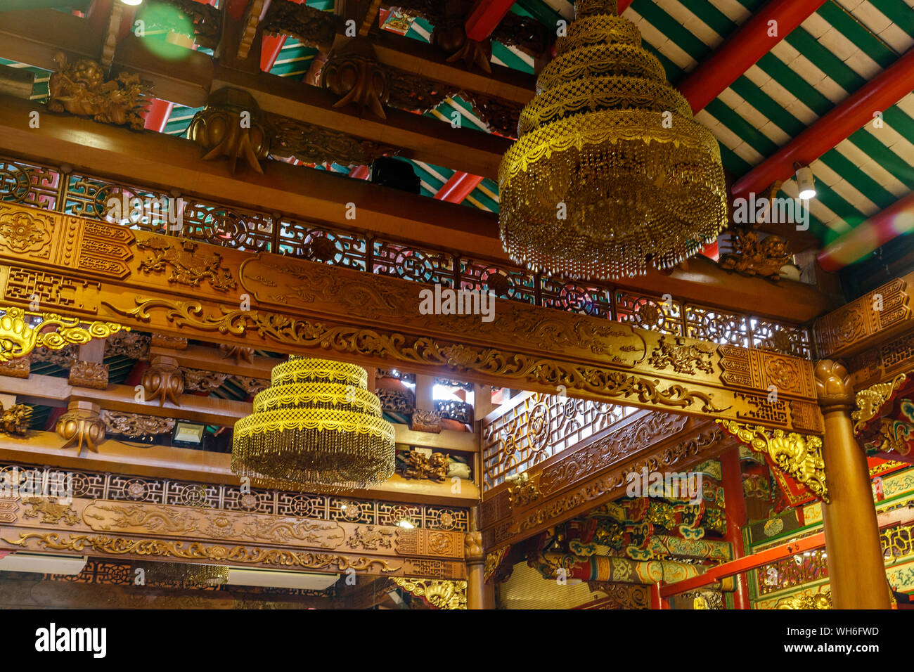 Intricately decorated ceiling of Wat Mangkon Kamalawat or Wat Leng Noei Yi, largest and most important Chinese Buddhist temple in Bangkok, Thailand Stock Photo