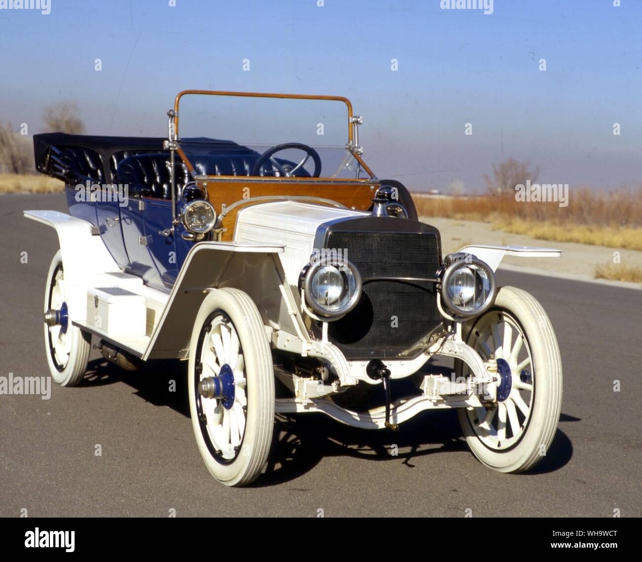 Lozier built 'quality cars for quality people' from 1905-17.  This is a 1916 65hp tourer, Model 84. Stock Photo