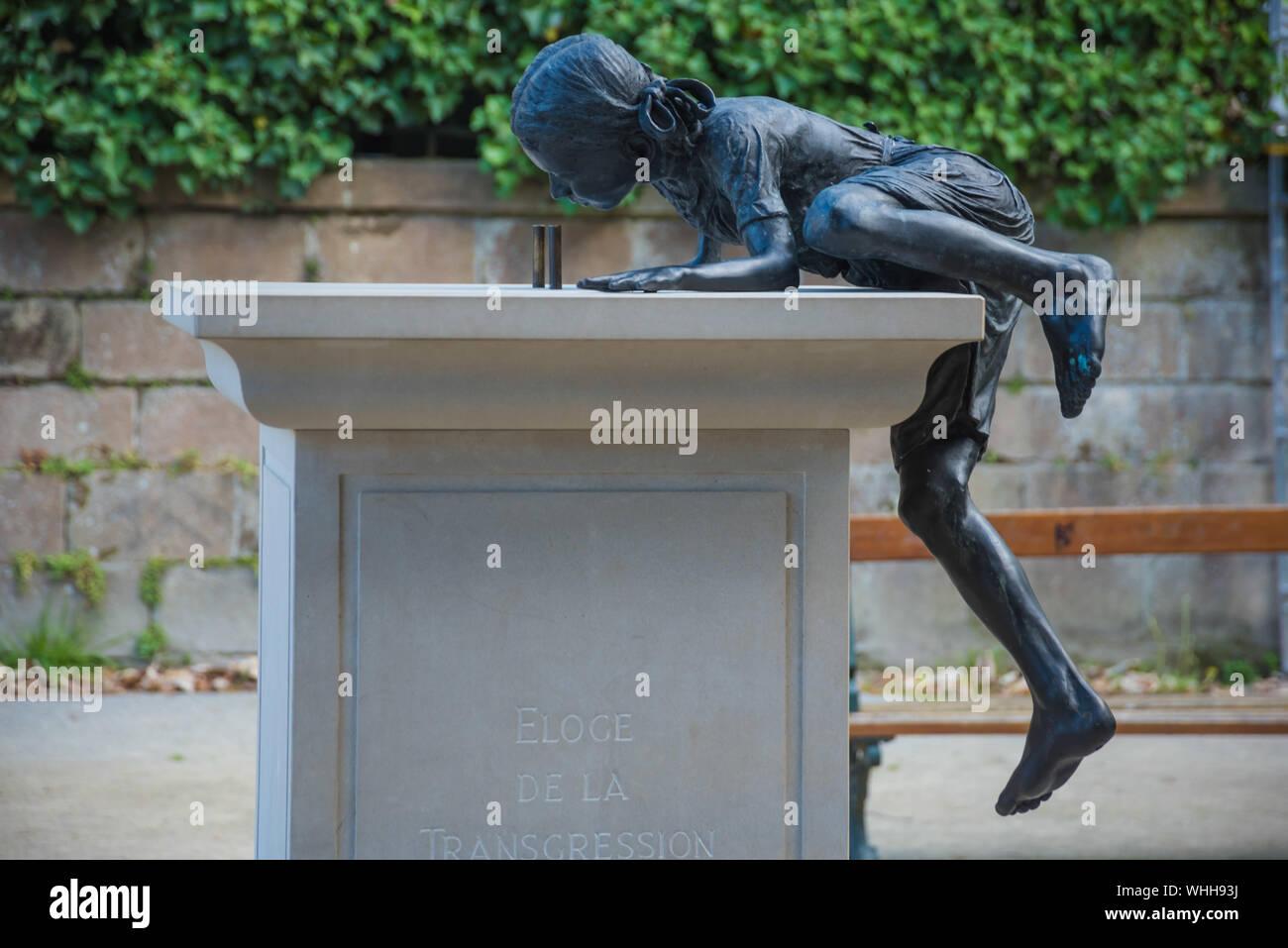 Le Voyage à Nantes, Philippe Ramette, Éloge de la Transgression (Lob des Ungehorsams) Stock Photo