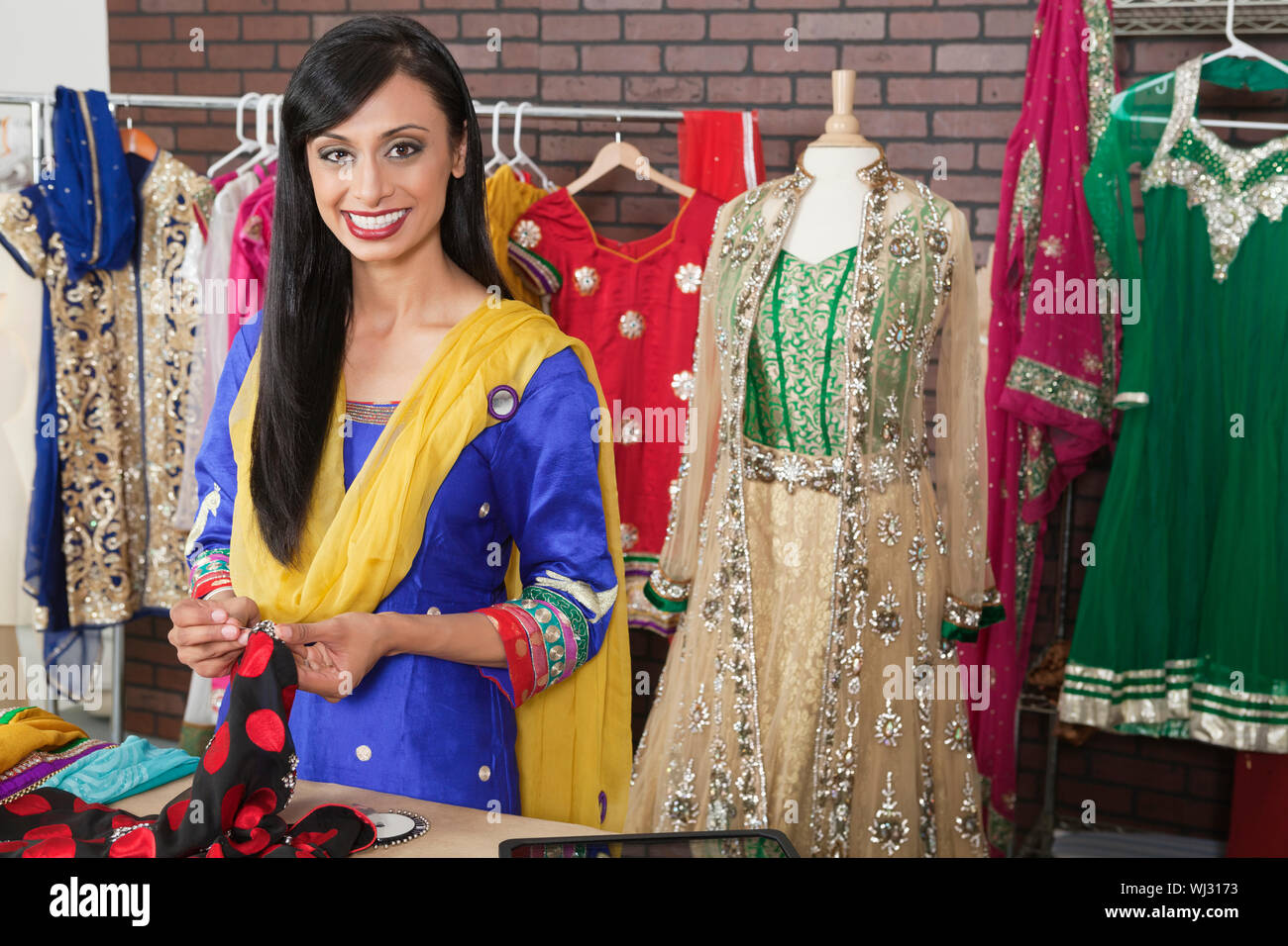 Page 2 Indian Women Portrait Fashion Designer High Resolution Stock Photography And Images Alamy