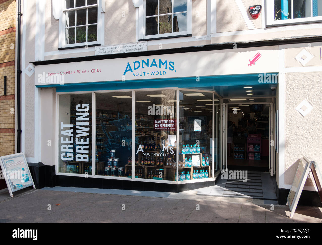 Adnams of Southwold brewery and distillers shop in Bury St Edmunds, Suffolk, UK Stock Photo