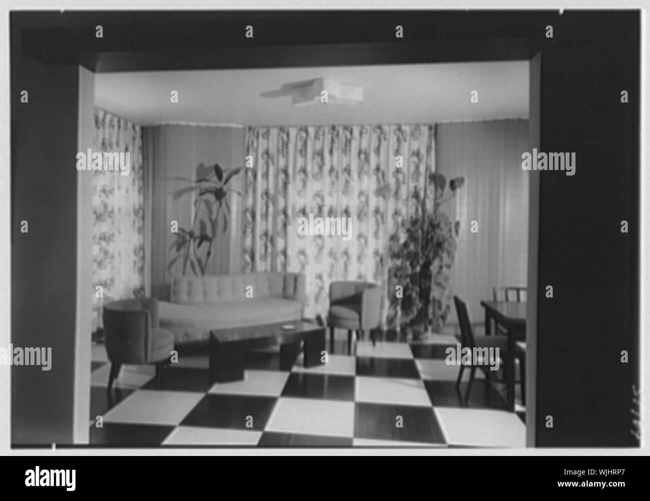 Herman Lowin, residence at 205 Townsend Ave., Pelham Manor, New York. - Stock Photo