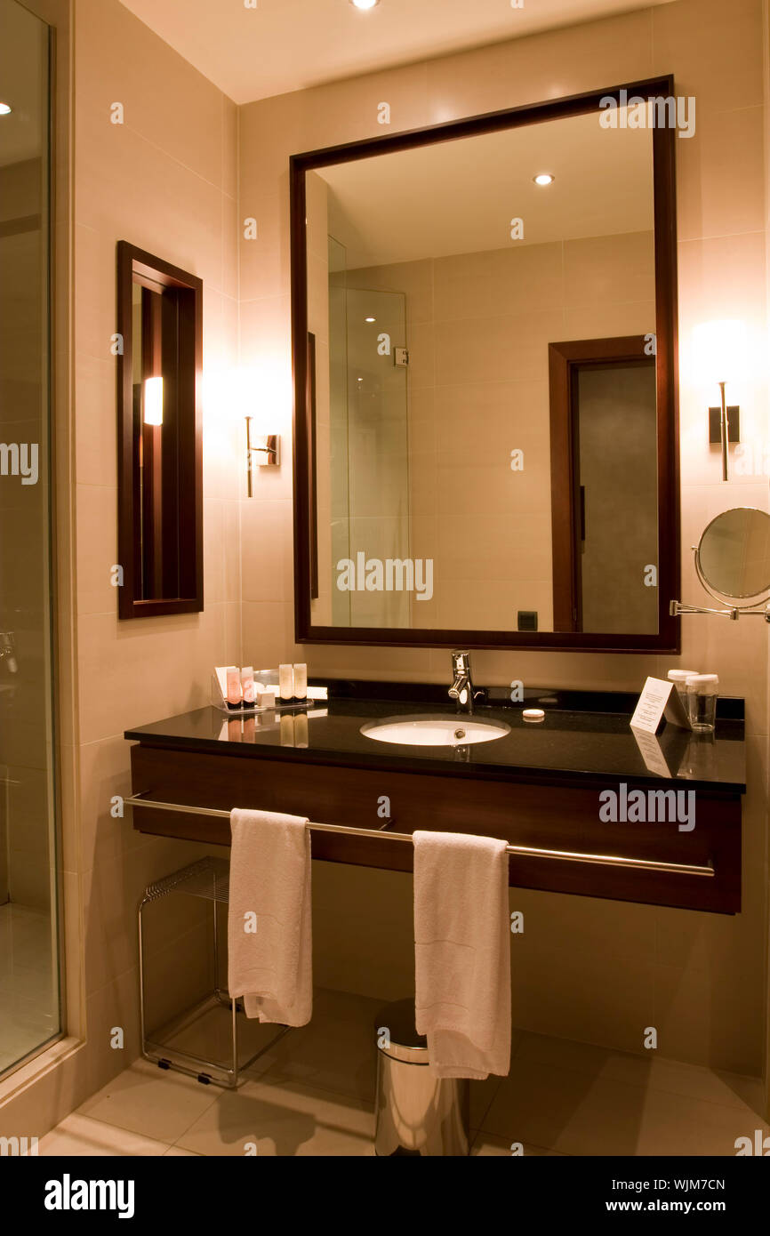 Elegant 5 Star Hotel Or Apartment Luxury Bathroom Stock Photo Alamy