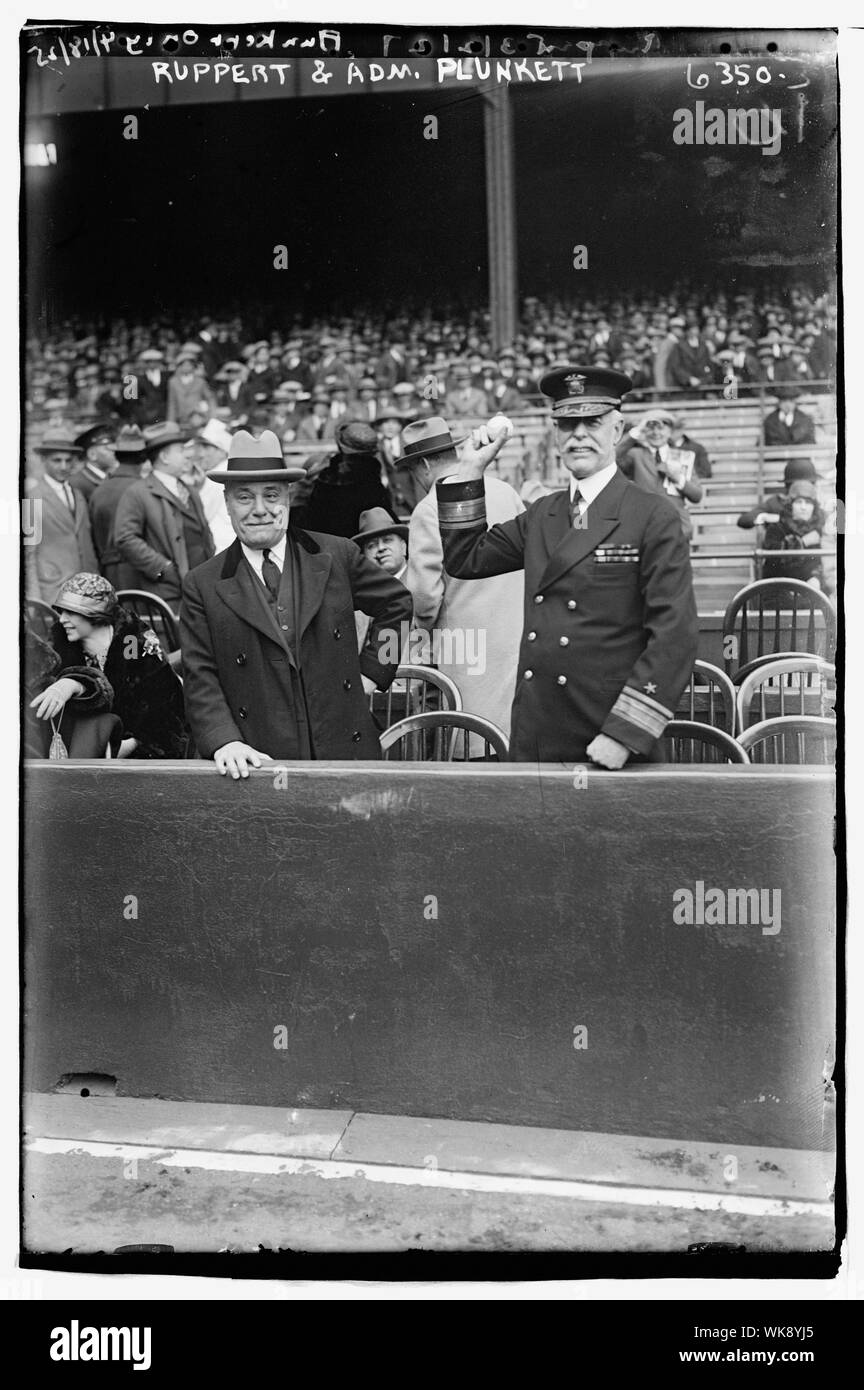 Jacob Ruppert & Admiral Charles Peshall Plunkett, Commandant of Brooklyn Navy Yard (baseball) Stock Photo