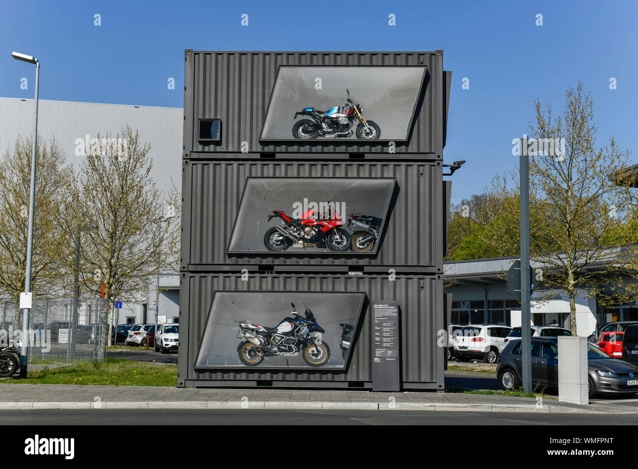 Schau-Container, BMW Motorradwerk, Am Juliusturm, Spandau, Berlin, Deutschland Stock Photo