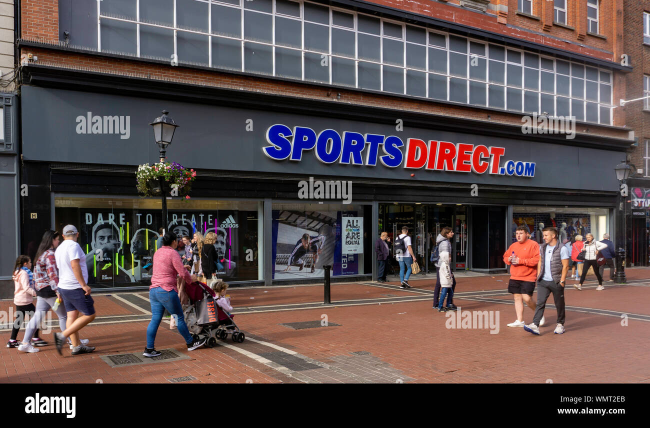 Sportsdirect High Resolution Stock Photography And Images Alamy