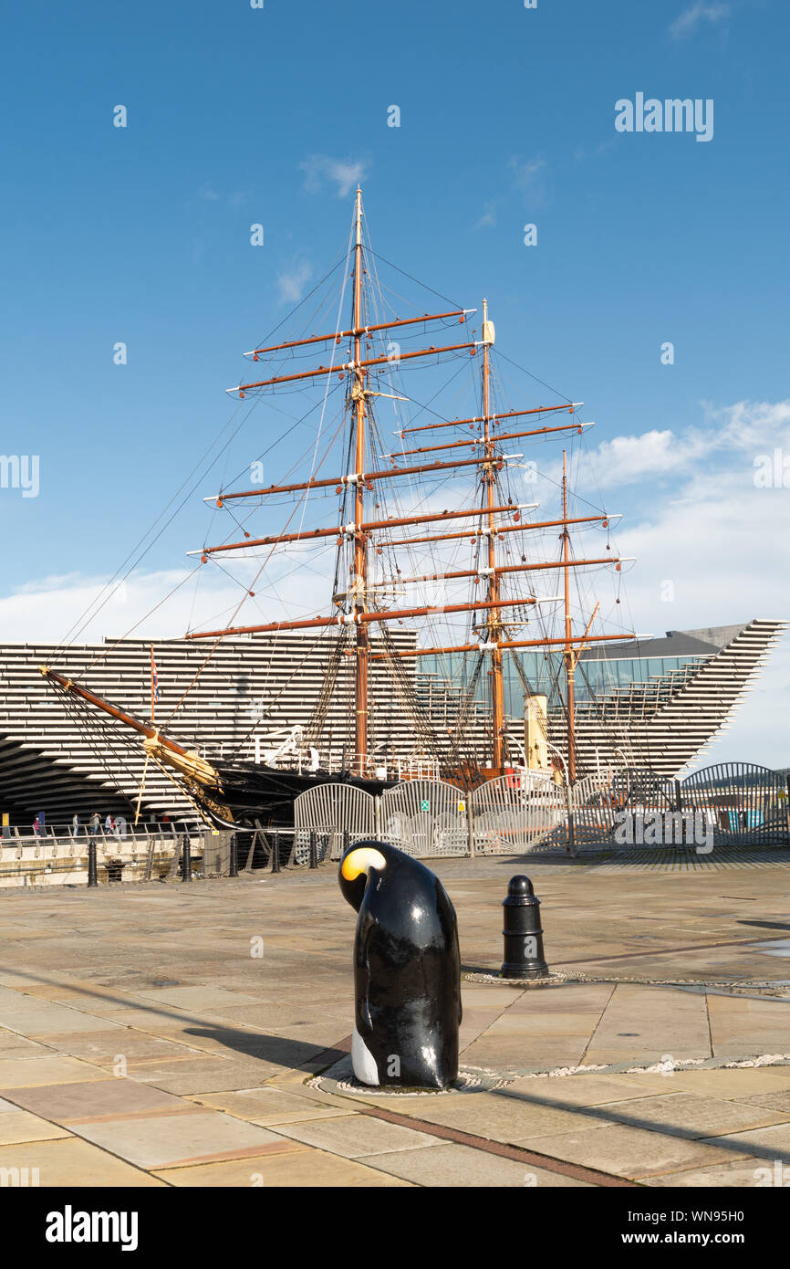 Dundee waterfront - RRS Discovery ship at Discovery Point with the V&A museum behind, Dundee, Scotland, UK Stock Photo