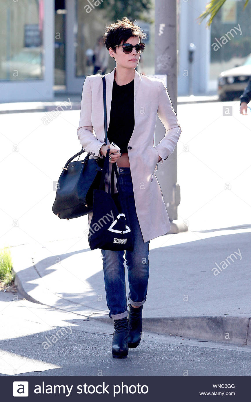 Beverly Hills Ca Actress Jaimie Alexander Gets Her Hair Dyed Back To Brown After Being A