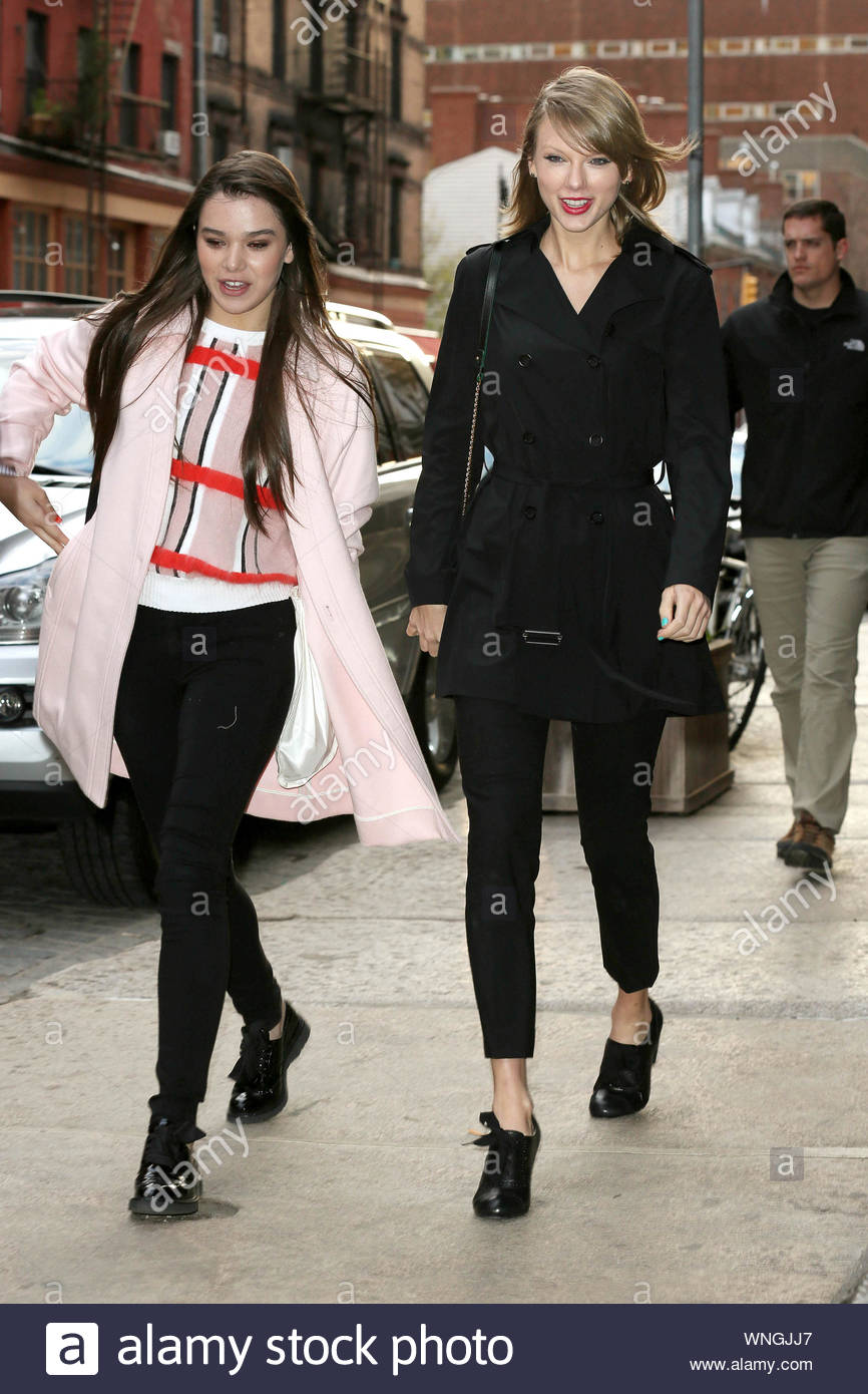 New York Ny Gal Pals Taylor Swift And Hailee Steinfeld Head Out To Grab Dinner In New York Chatting And All Smiles The Two Gals Got Caught Up In The Wind