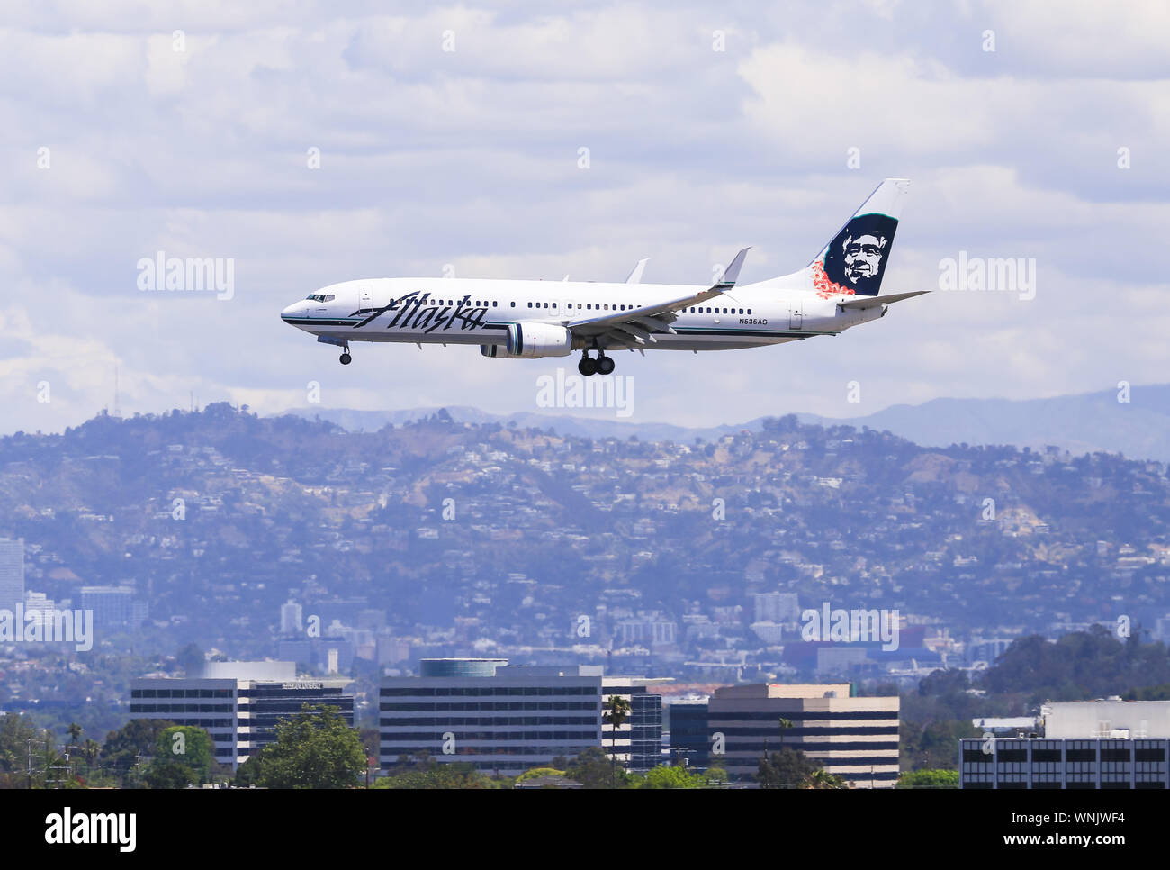 Los Angeles, California, USA - May 22, 2019: A Alaska Airlines Boeing 737 lands at the Los Angeles International Airport (LAX). Stock Photo