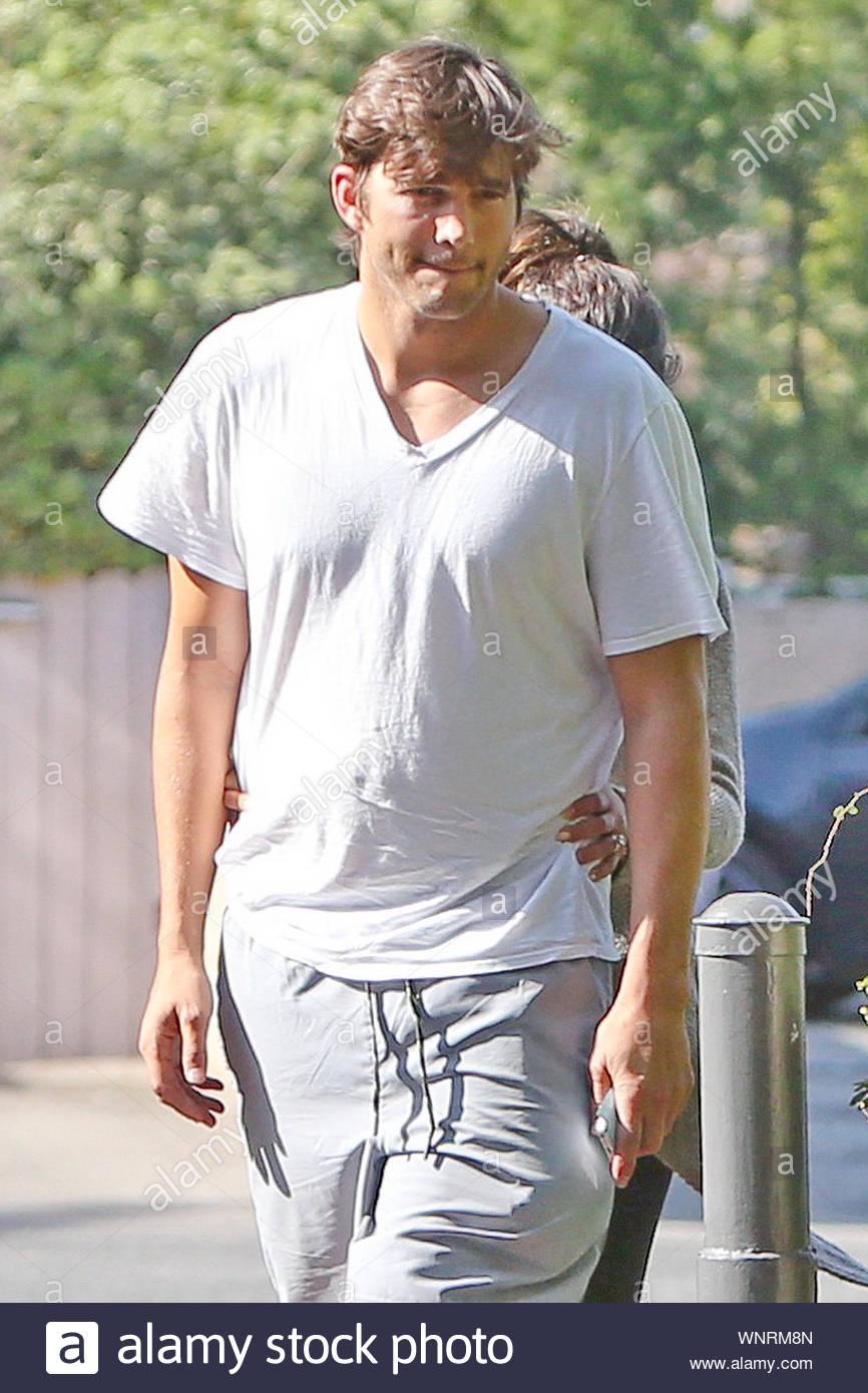 ashton kutcher datování mila kunis 2014