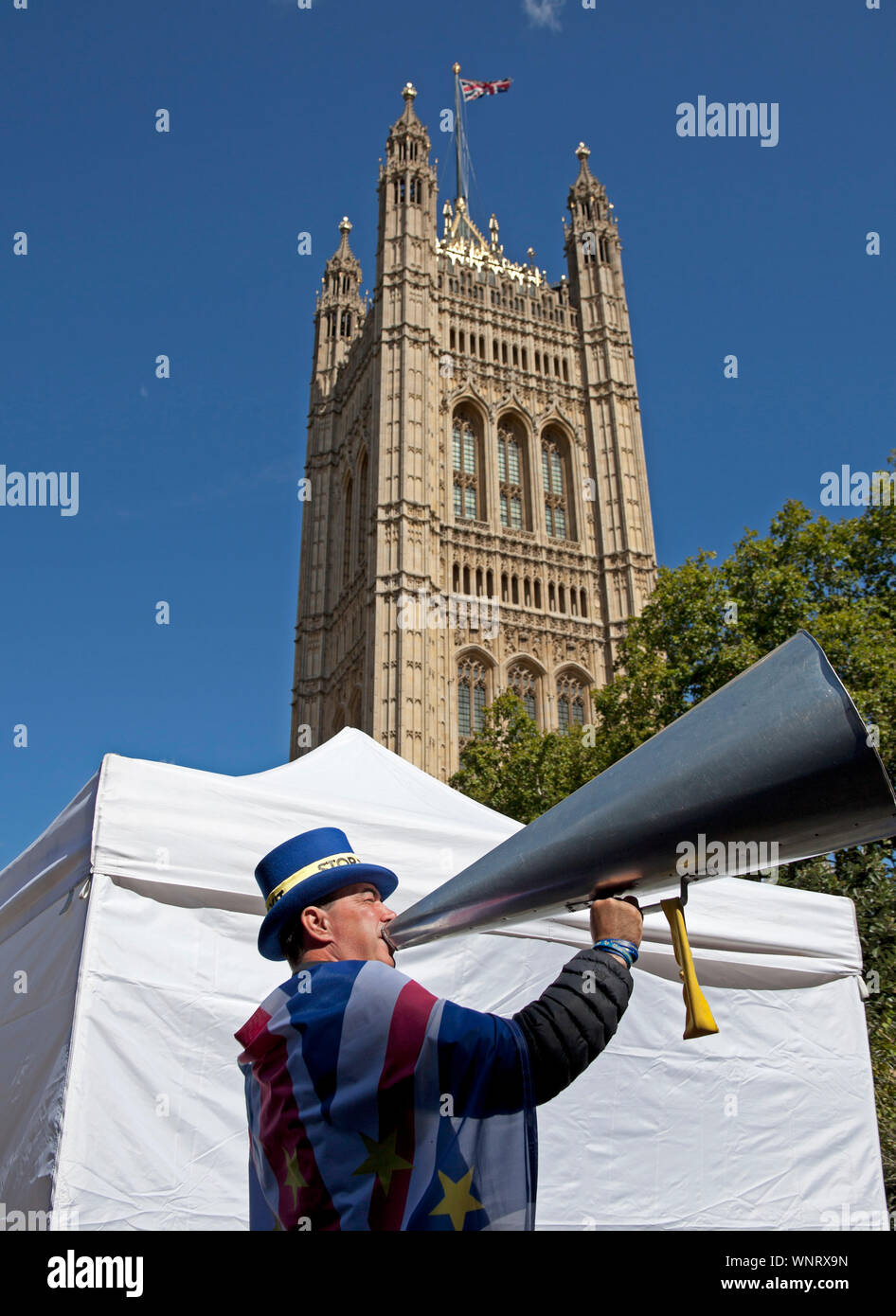 Steve Bray, with megaphone, activist, Mr Stop Brexit, Westminster, London, England, UK Stock Photo