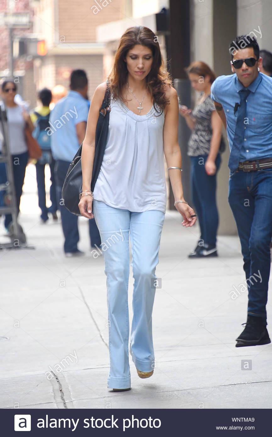 Jennifer Lopez Younger Sister Images