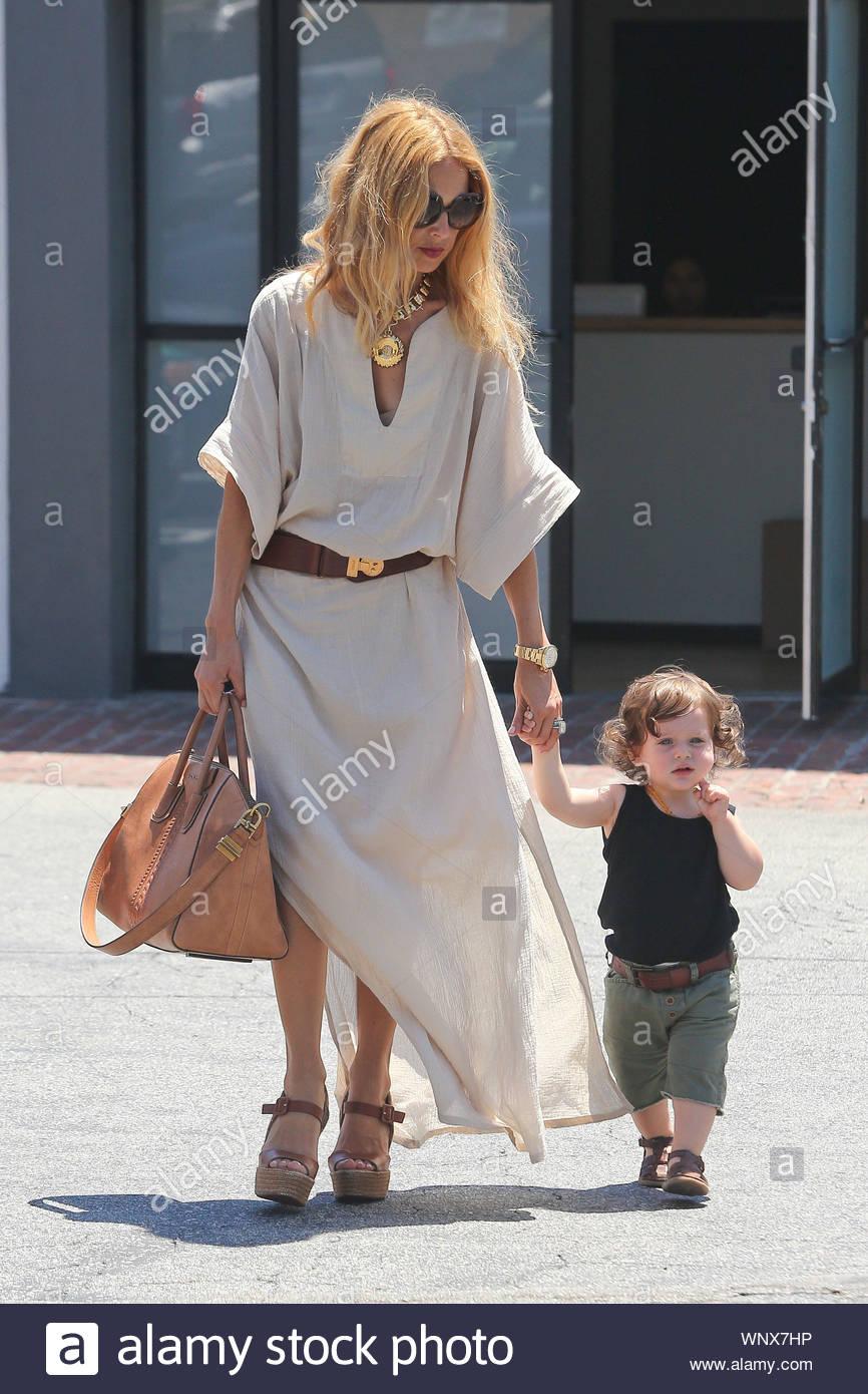 West Hollywood Ca Fashion Designer Rachel Zoe And Little Skyler Hit Hugo S Restaurant In West Hollywood