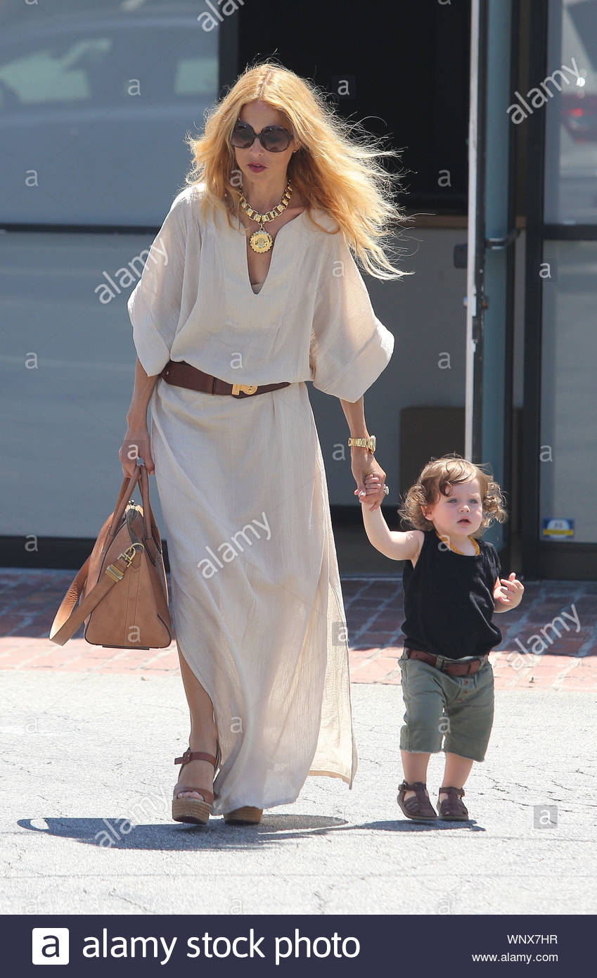 West Hollywood Ca Fashion Designer Rachel Zoe And Little Skyler Hit Hugo S Restaurant In West Hollywood Zoe Recently Launched Her Jewelry Line Exclusively At Neiman Marcus The Collection Was Inspired By