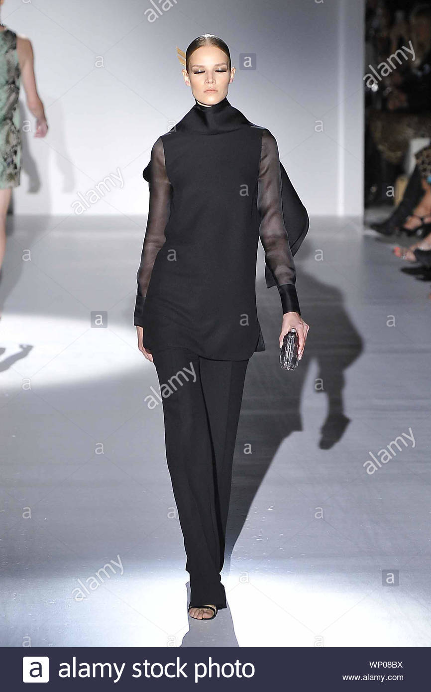 Milan Italy Italian Fashion Designer Frida Giannini Shows Off Her New Spring Summer 2013 Fashion Collection At Milan Fashion Week In Italy Akm Gsi September 19 2012 Stock Photo Alamy