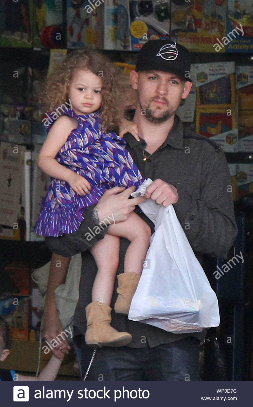 Nicole Richie and husband Joel Madden ...