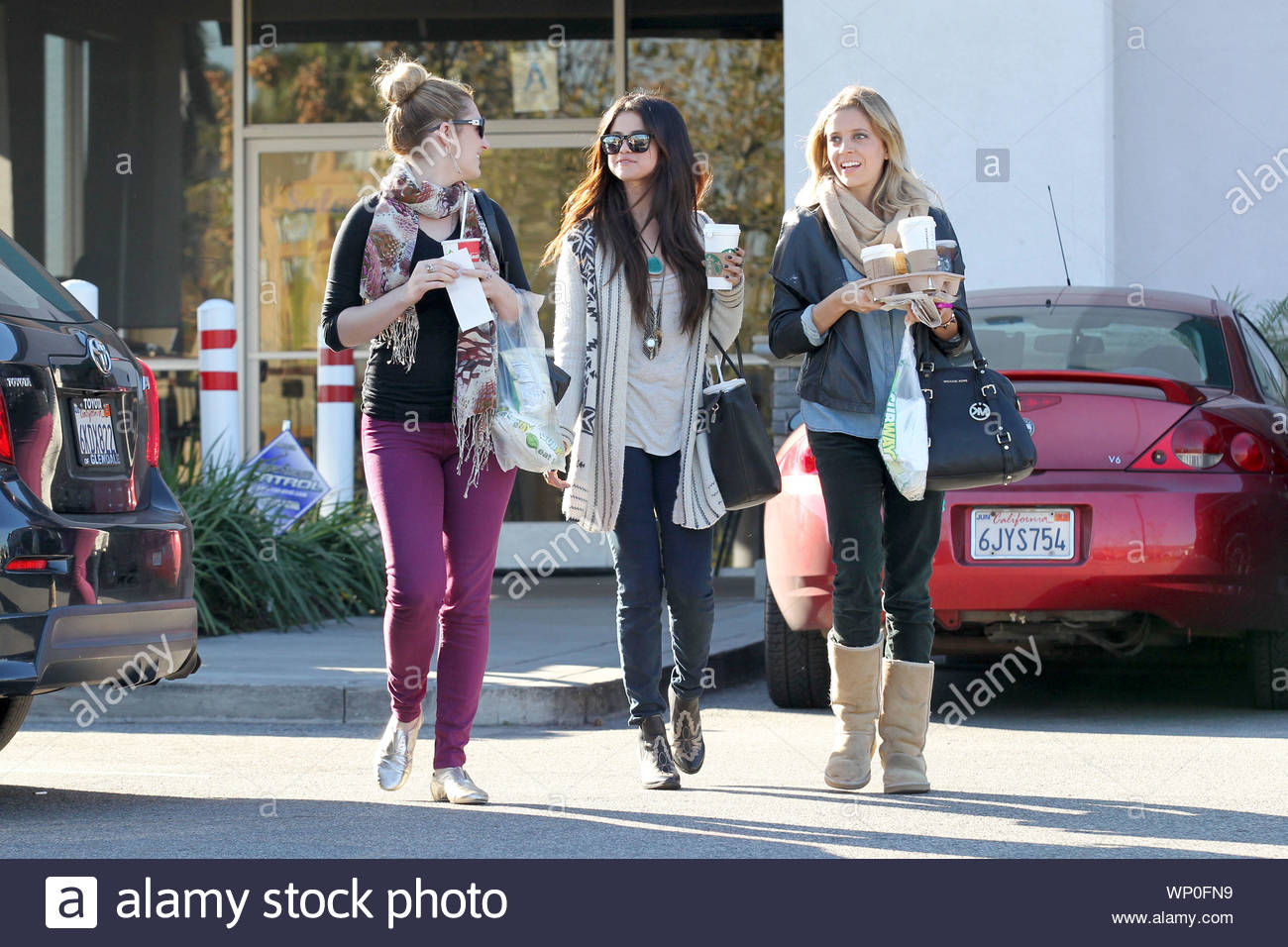 burbank ca after selena gomez grabbed some lunch from mcdonalds earlier today she made her way https www alamy com burbank ca after selena gomez grabbed some lunch from mcdonalds earlier today she made her way to the studio and during her break got some quality time with her gal pals as they made a coffee run to starbucks and picked up some food from subway the actresssinger recently ended her relationship with justin bieber and it appears that she is doing just fine without him with recent rumors of the young starlet hitting it off with the hunger games star josh hutchinson at the golden globe awards and reports that selena was getting super close and holding hands with her monte carlo image271690309 html