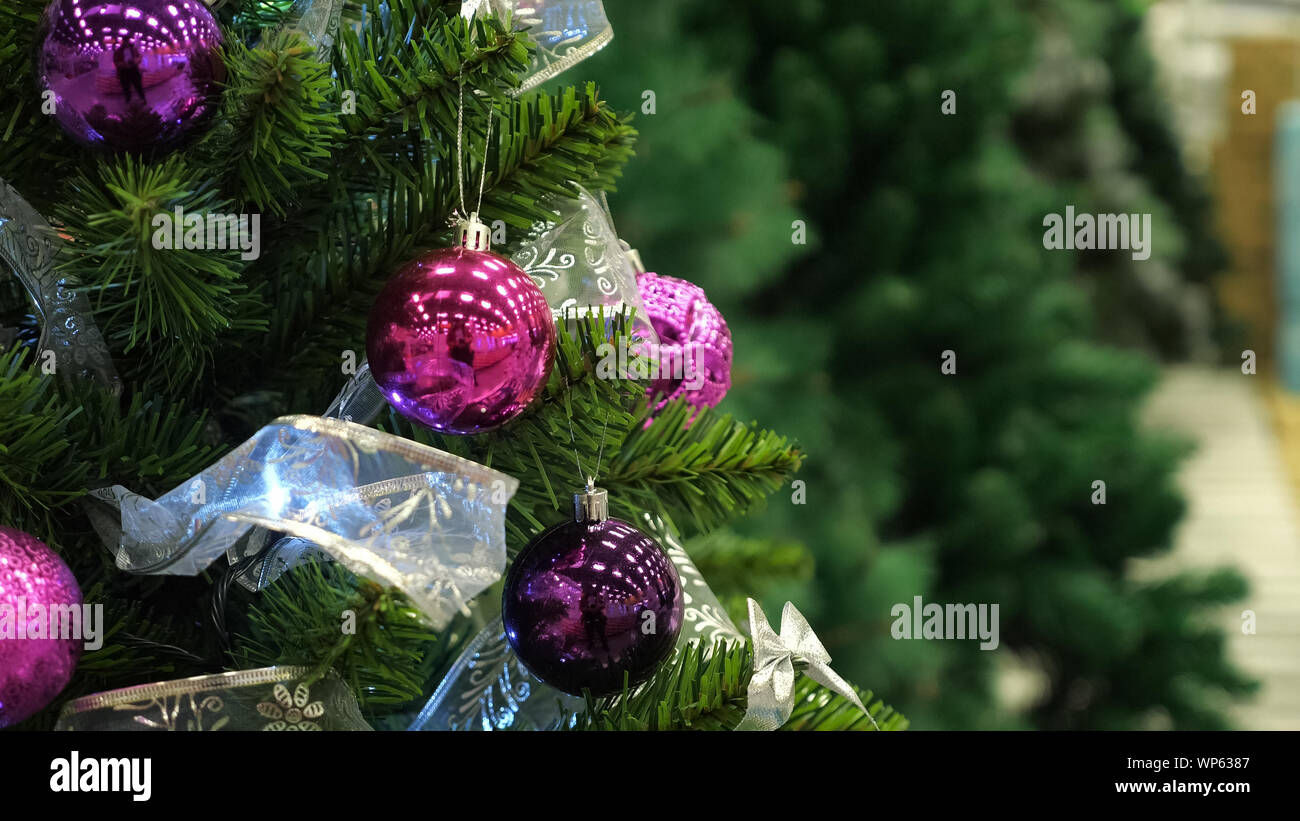 Wonderful Artificial Christmas Tree With Bright Sparkling