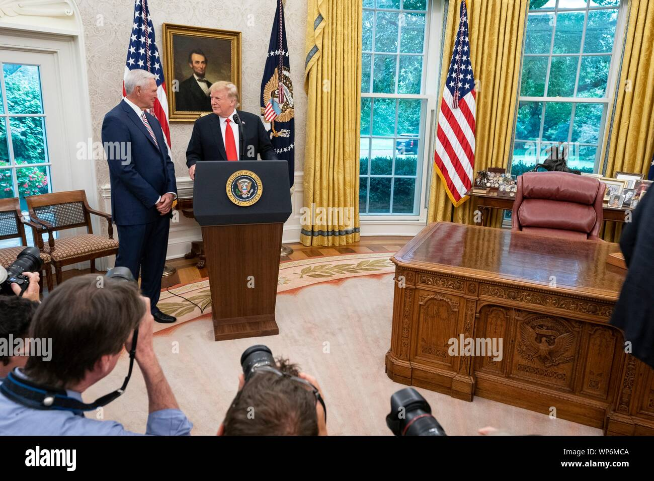 Washington, DC, USA. 05 September, 2019. U.S President Donald Trump delivers remarks prior to awarding the Presidential Medal of Freedom, to Hall of Fame Los Angeles Lakers basketball star and legendary NBA General Manager Jerry West during a ceremony in the Oval Office of the White House September 5, 2019 in Washington, DC. Stock Photo