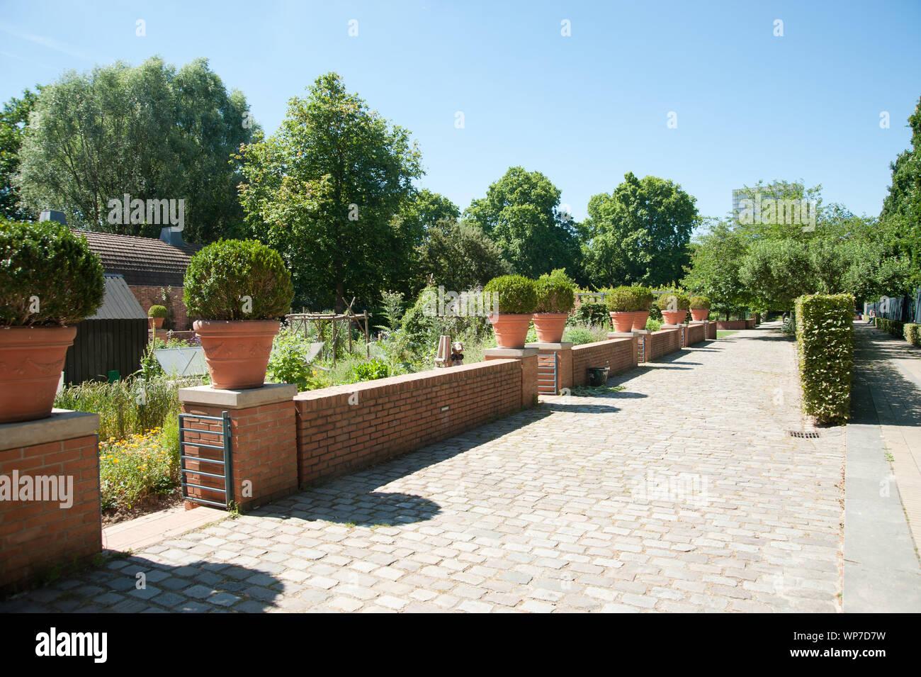Paris, Parc de Bercy, 128 Quai de Bercy, 75012 Paris, Jardins de la Memoire Stock Photo