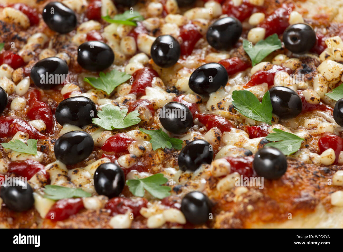 salami olives, wooden tray, alamy, served, ham cheese pizza, delicious pizza, olive oil, black olives, mozzarella cheese Stock Photo