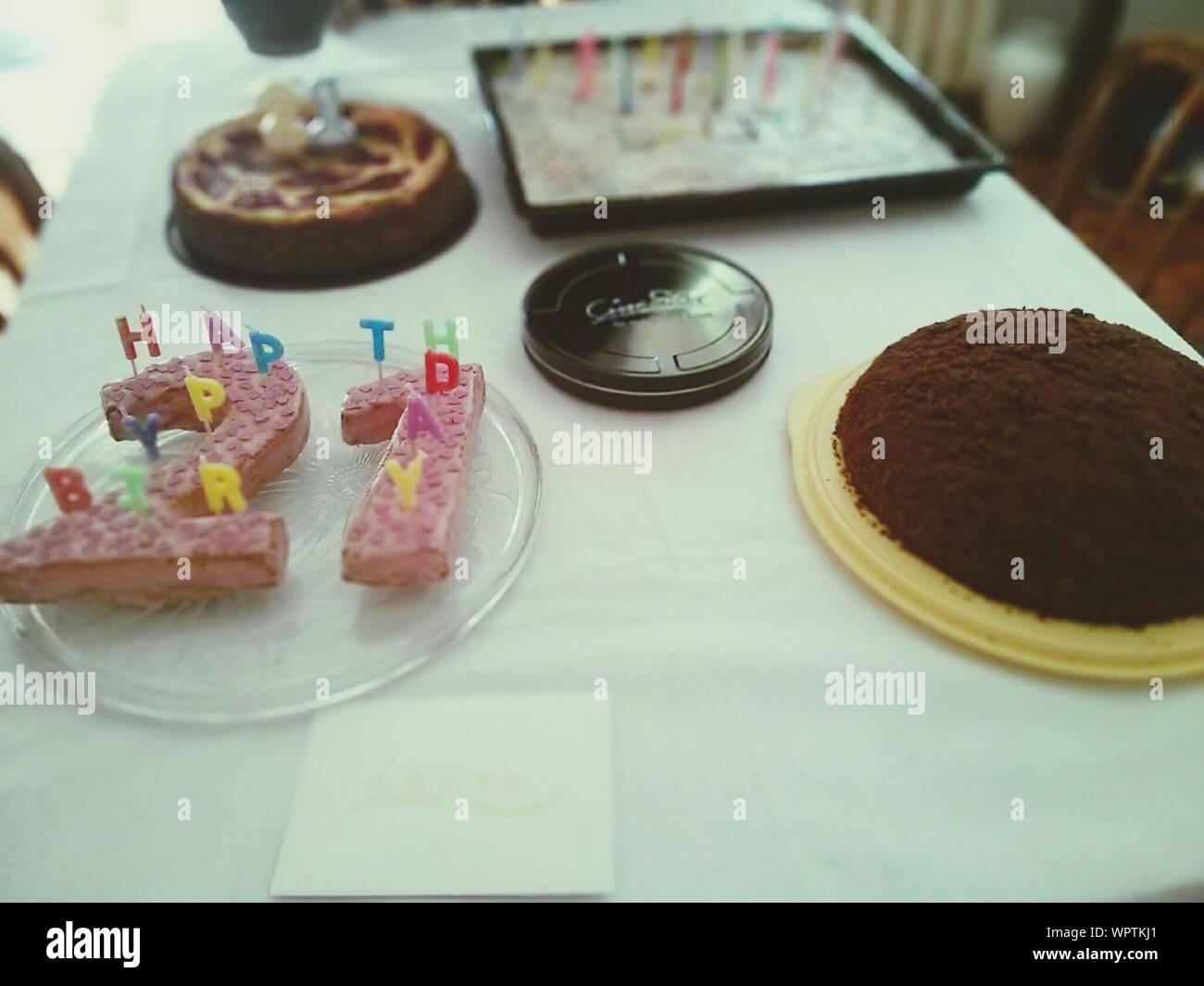 Groovy 21St Birthday Cake On Table Stock Photo 272220201 Alamy Personalised Birthday Cards Arneslily Jamesorg