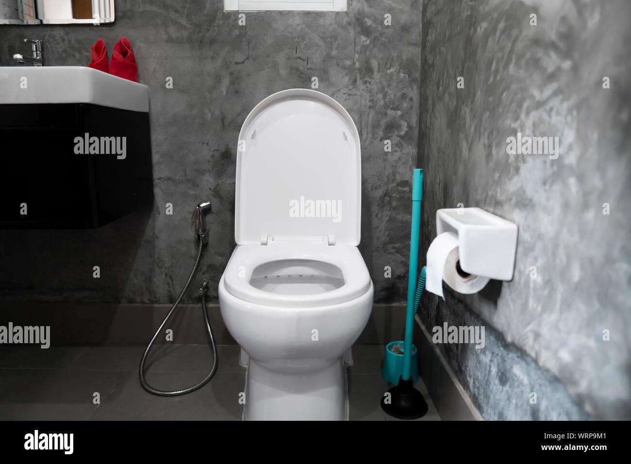 Toilette Blanc Et Gris white hanging toilet seat on white toilet in the home