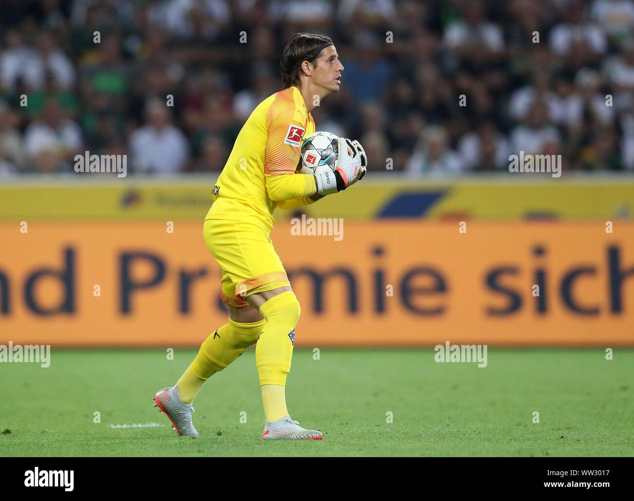 Page 2 Borussia Monchengladbach Goalkeeper High Resolution Stock Photography And Images Alamy