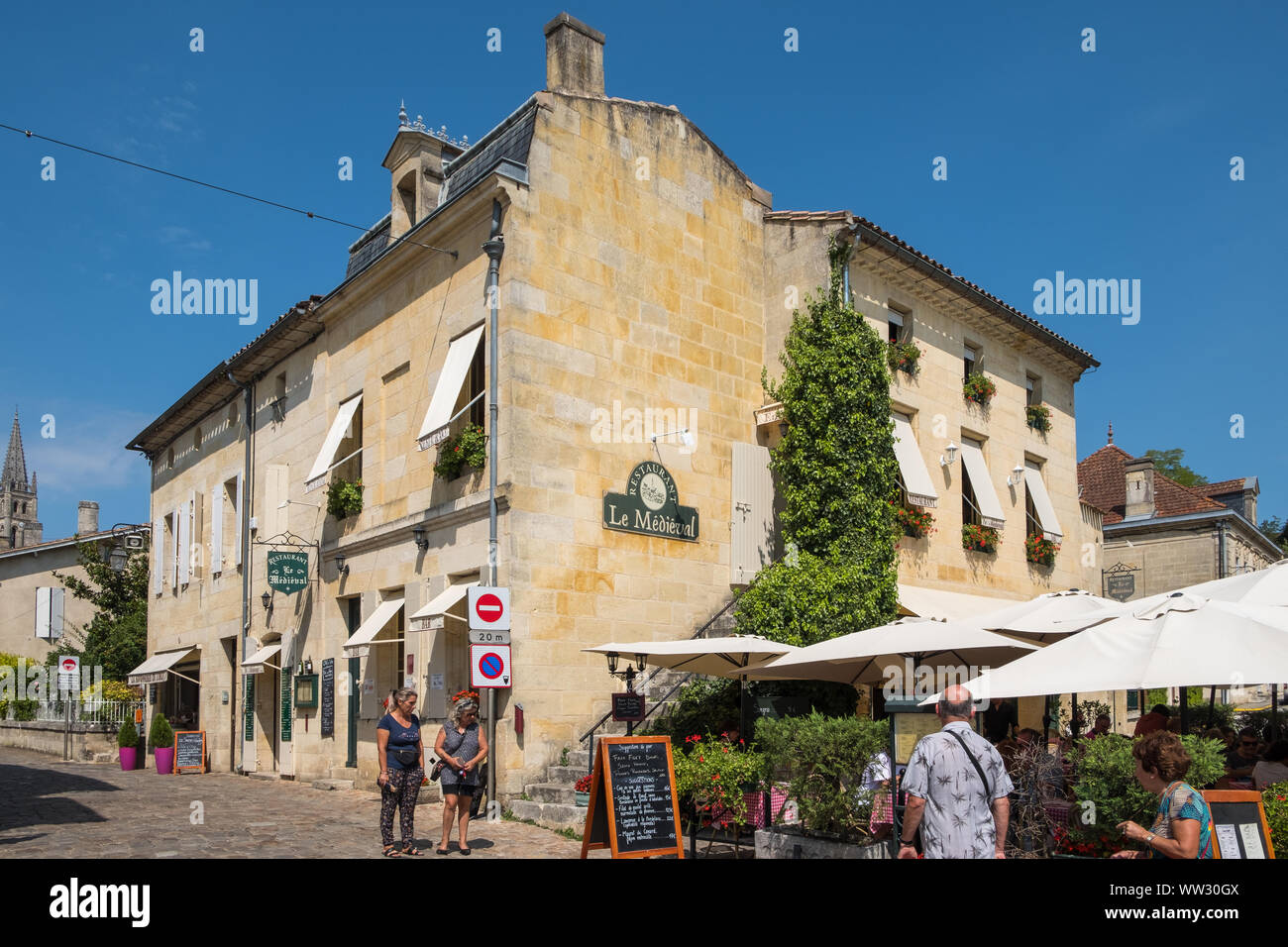 The centre of the historic Unesco listed town of Saint-Emilion in Bordeaux, Gironde, France Stock Photo