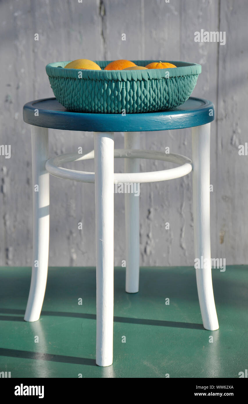 Fantastic Upcycling Of Old Baskets With Paint Fruit Basket And Stool Lamtechconsult Wood Chair Design Ideas Lamtechconsultcom