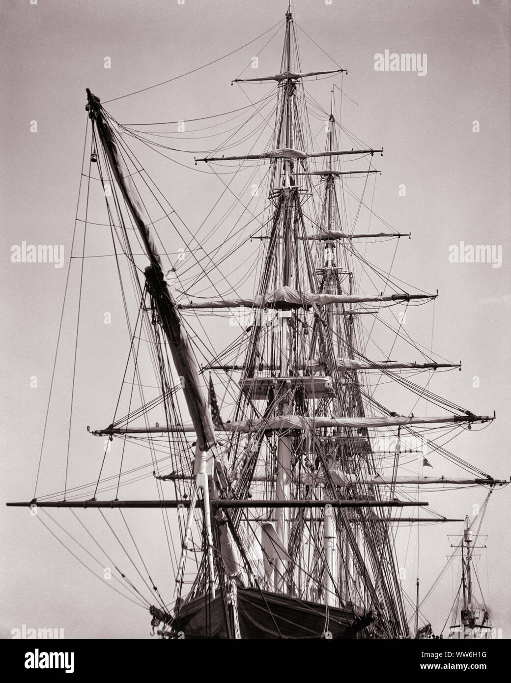 1930s SHIP-RIGGED SAILING SHIP WITH THREE MASTS AND A BOW SPRIT - s3796 HAR001 HARS VESSEL Stock Photo