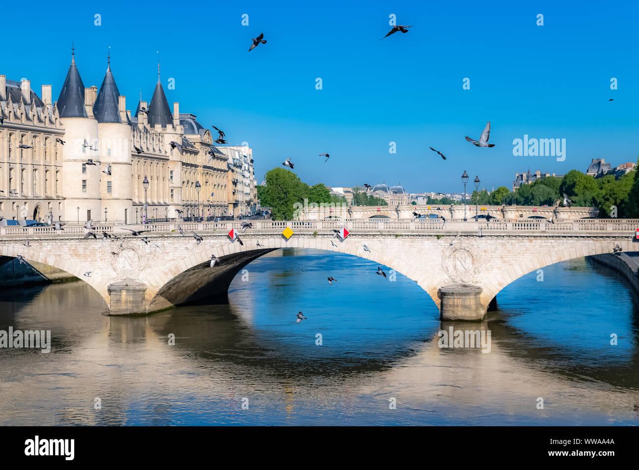 Paris, view of the Seine with the Conciergerie on the ile de la Cité, and the Pont-Neuf Stock Photo
