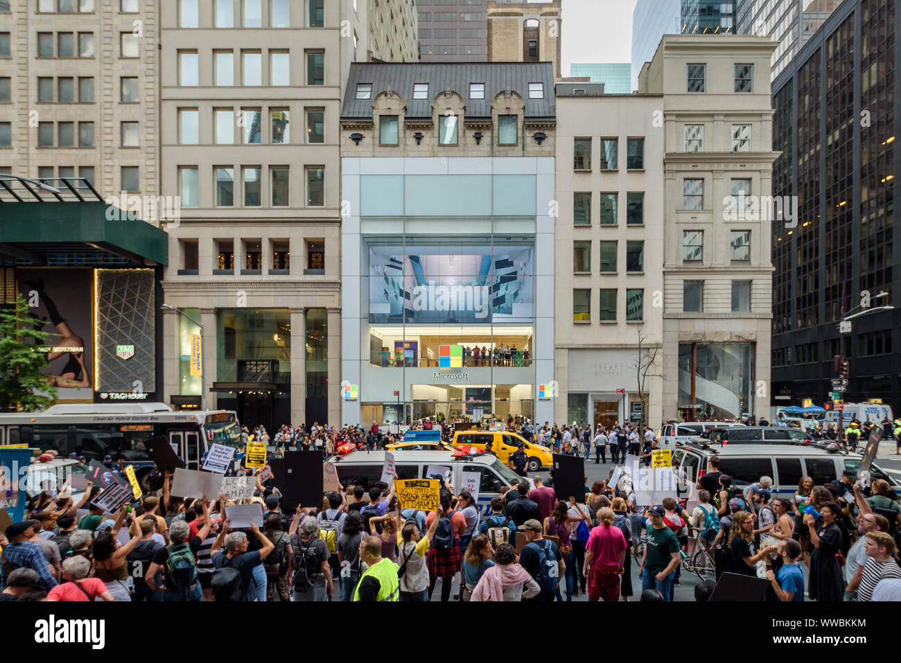 New York, USA. 14th Sep, 2019. A total of 94 protesters were arrested after shutting down the Microsoft retail store in Manhattan and blocking traffic on Fifth Avenue on September 14, 2019 in an act of non violent civil disobedience, while more than 500 members of a large coalition of immigration advocates targeting businesses profiting from the crisis in the border rallied outside. Credit: Erik McGregor/ZUMA Wire/Alamy Live News Stock Photo
