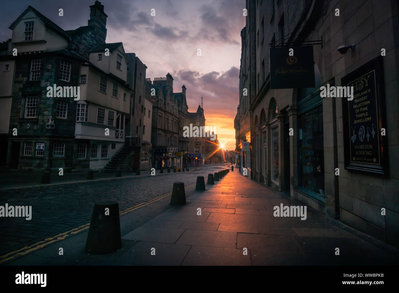 Sunrise on the Royal Mile, Edinburgh, Scotland. Stock Photo