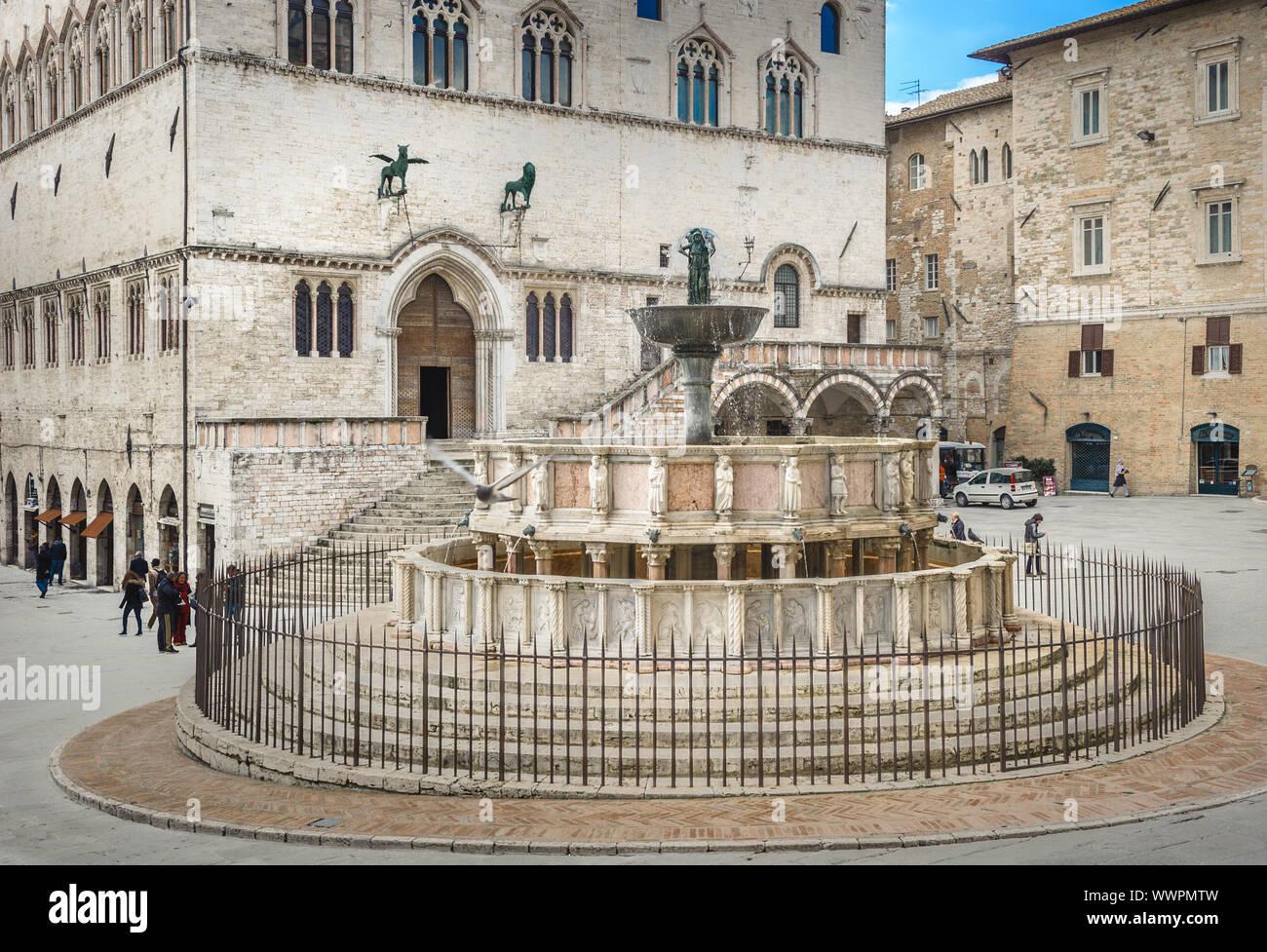 Fontana Maggiore on Piazza IV Novembre in Perugia, Umbria, Italy Stock Photo