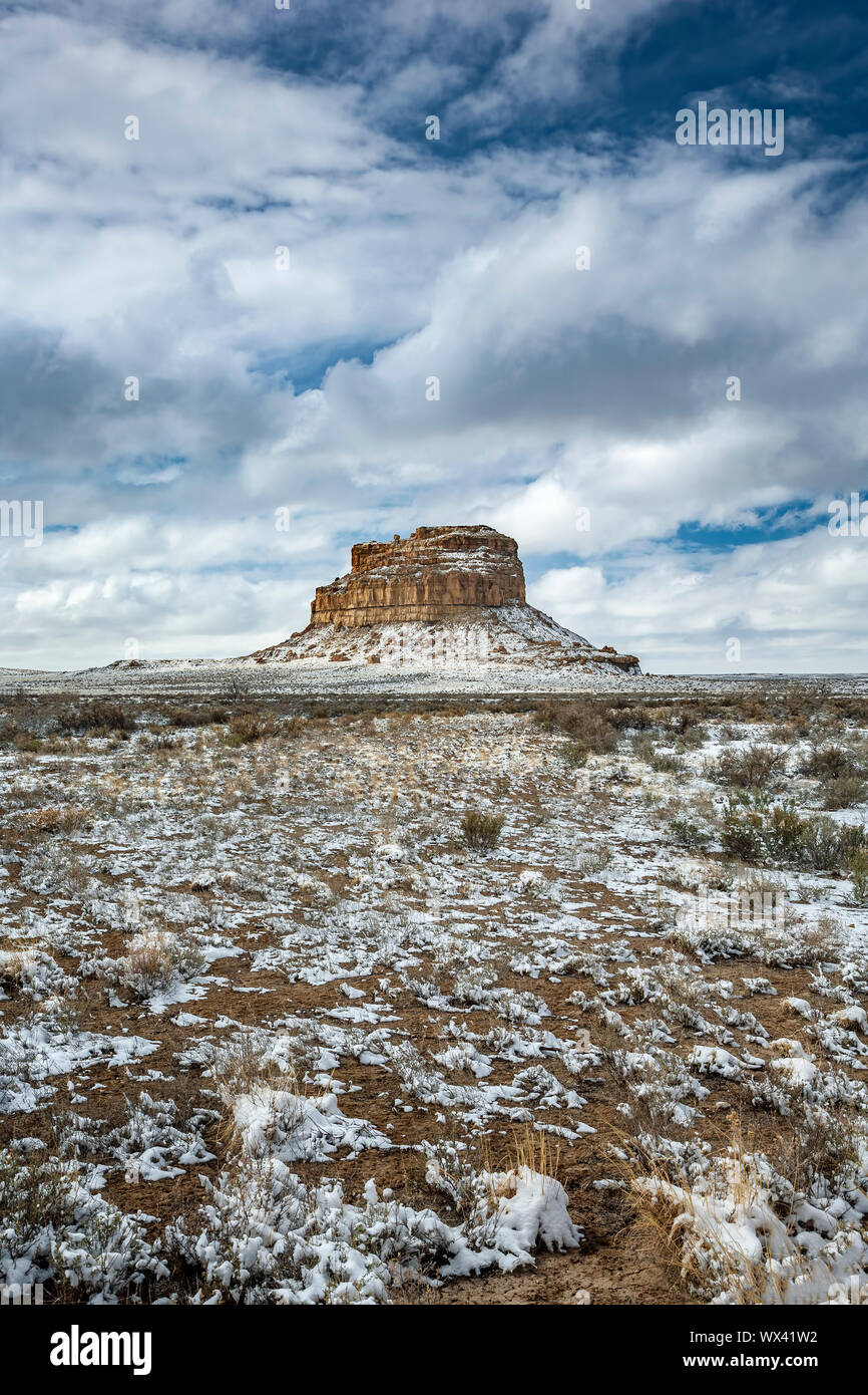 Fajada Butte under snow, Chaco Culture National Historical Park, New Mexico USA Stock Photo