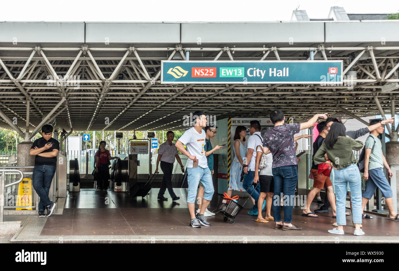 City Hall Mrt Station High Resolution Stock Photography And Images Alamy
