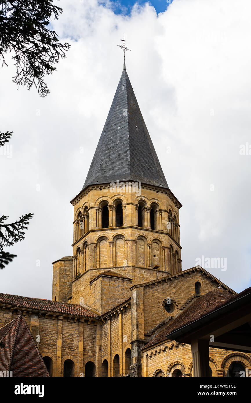 Architecte Paray Le Monial iconic church of the sacred heart in paray le monial