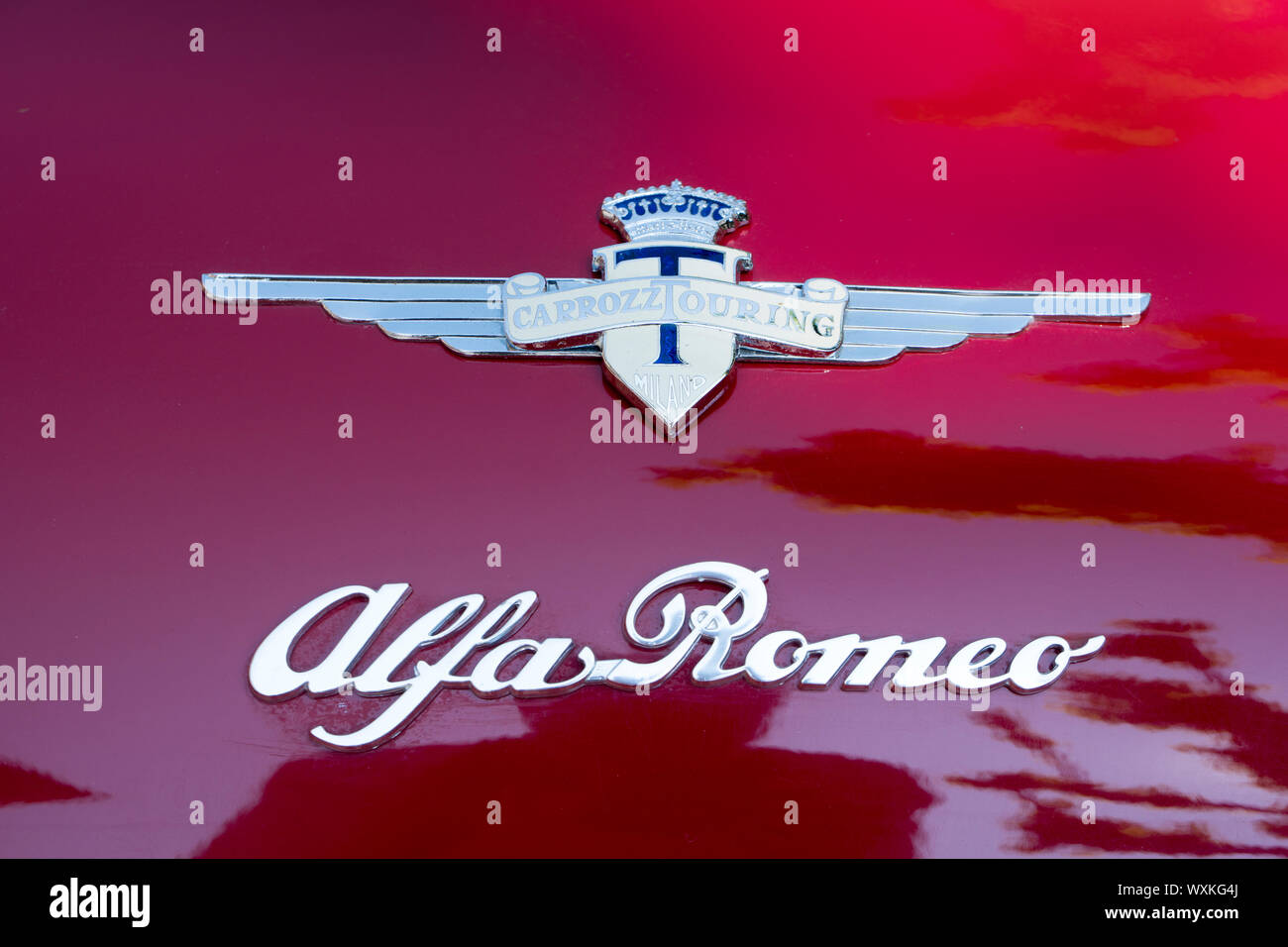 Alfa Romeo Vintage Car Logo High Resolution Stock Photography And Images Alamy