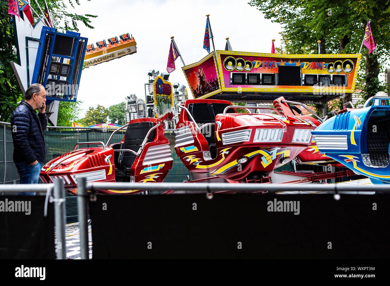 Wijchen, Nederland. 17th Sep, 2019. WIJCHEN, 17-09-2019, dutchnews, Frank Vale, owner of the fair ride Deca Dance Credit: Pro Shots/Alamy Live News Stock Photo