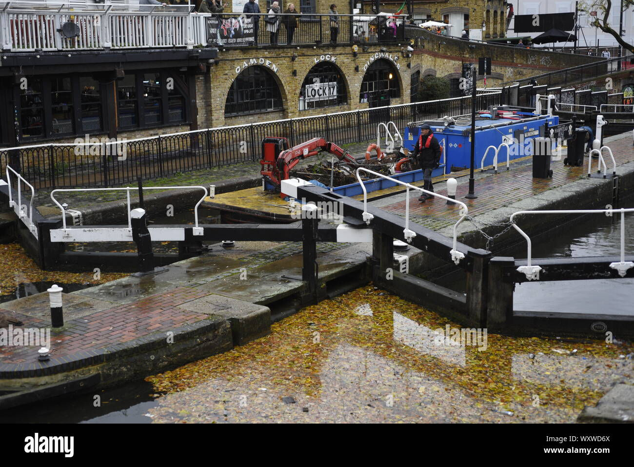 Hampstead Road Lock on The Regent's Canal in Camden Town, London. The lock gates are adjacent to the market and allow boats to ascend or descend betwe Stock Photo