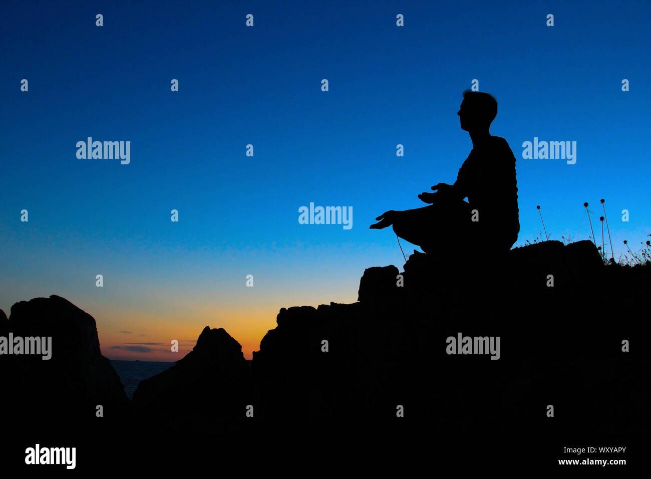 Abenddämmerung Yoga Silhouette Stock Photo